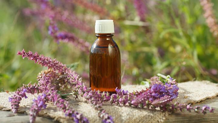 6 huiles essentielles qui ont le m me effet que le valium sur votre anxi t. Black Bedroom Furniture Sets. Home Design Ideas